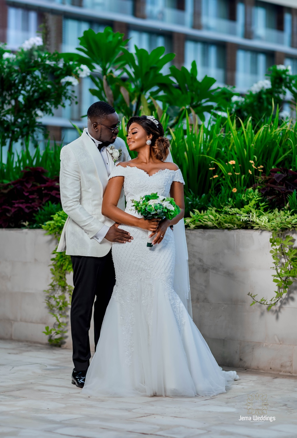 We Can T Get Enough Of The Anderclaude9 White Wedding In Ghana
